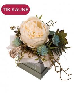 Baltos muilo rožės kompozicija