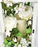 Vestuvinė dirbtinių gėlių kompozicija žibinte