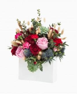 Vokas su gėlėmis
