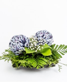 Maža dirbtinių gėlių kompozicija