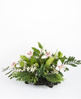 Gedulinga gėlių kompozicija su cimbidžio žiedu