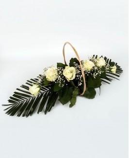Gedulo kompozicija su baltomis rožėmis 2