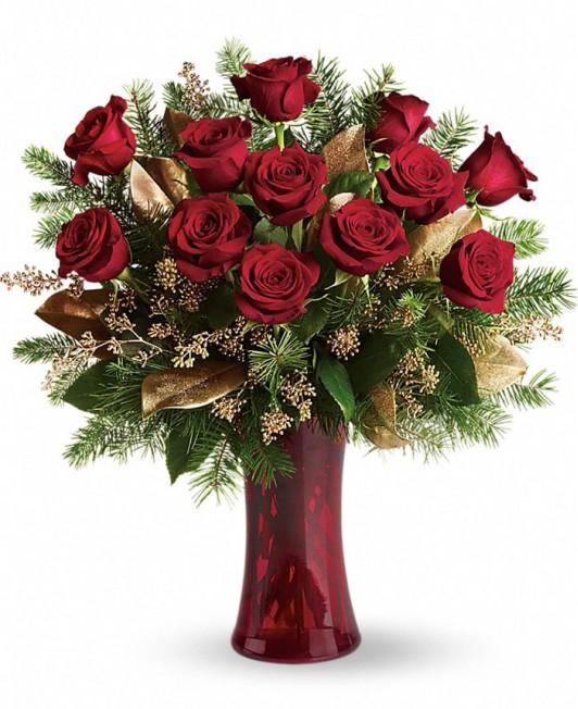 Kalėdinė puokštė su rožėmis