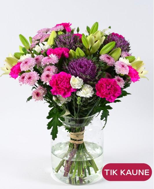 Rožinių chrizantemų puokštė su gvazdikais