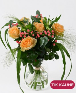 Rožių ir alstromerijų puokštė