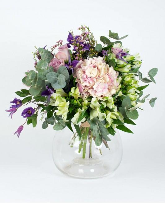Šiltų spalvų gėlių puokštė 2