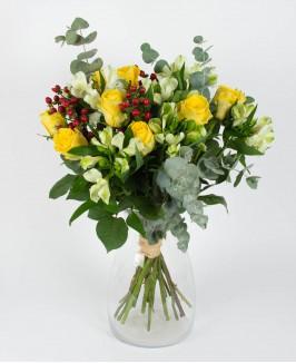 Klasikinė puokštė su geltonomis rožėmis