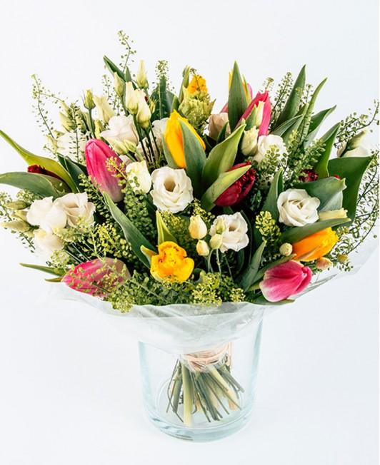 Tulpių ir eustomų puokštė