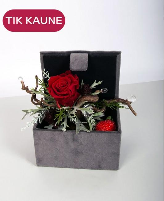 Dirbtinių gėlių kompozicija 5