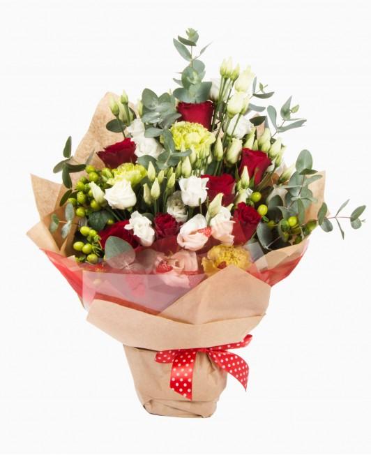 Eustomų, rožių ir gvazdikų puokštė