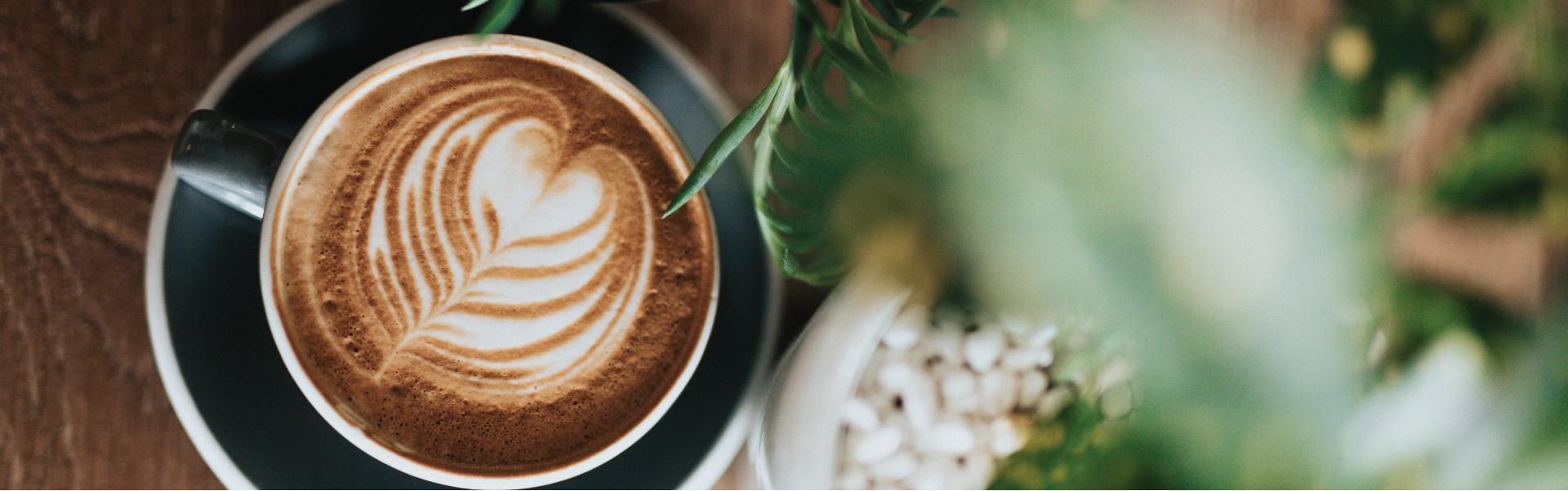 Nuo šiol ne tik gėlės, bet ir kava! Savanorių pr. 111